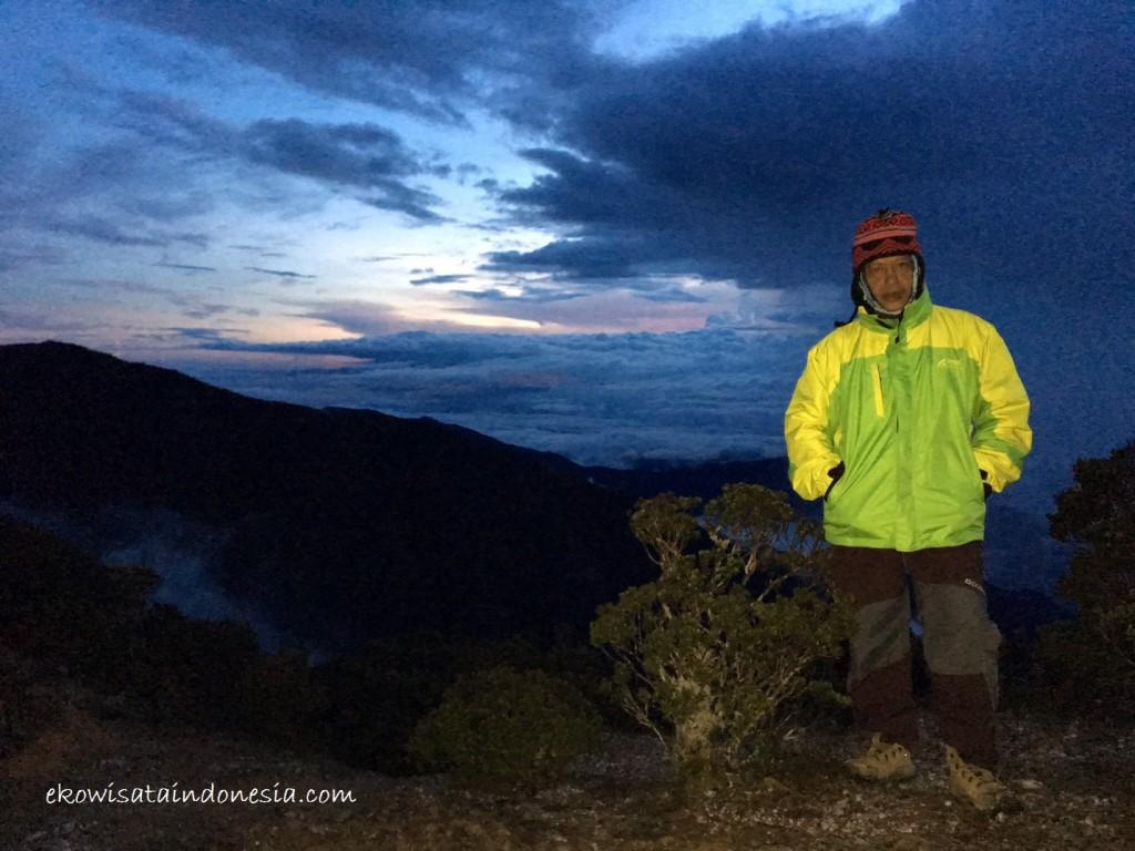 Summit menuju Rante Mario